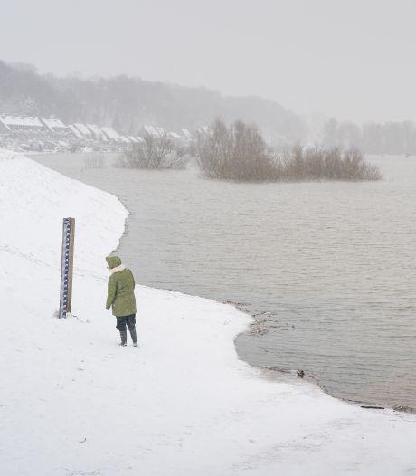 Constante strijd tegen het hoogwater in de Rijn: 'Een mooie gelegenheid om eens extra aan onze dijken te denken'