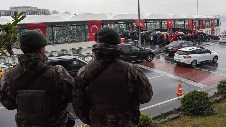 Bij de aanslag buiten het stadion van Besiktas in Istanbul kwamen zaterdag zeker 44 mensen om. Beeld Getty Images