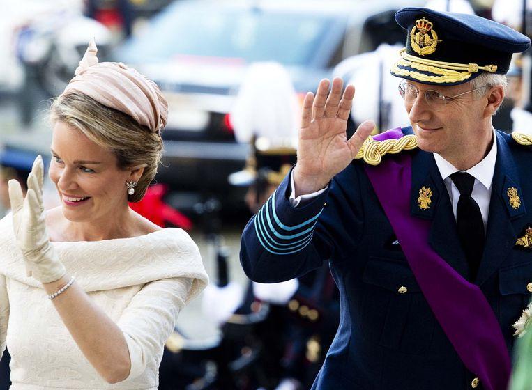 Prins Filip en prinses Mathilde komen aan bij de Sint-Michiels- en Sint-Goedelekathedraal. Beeld ANP