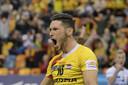 Maikel van Zeist in extase na een punt voor Draisma Dynamo.
