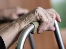 Bezuinigingen Grave doodsteek voor ouderenwerk: 'De sloopkogel wordt door het seniorenbeleid gegooid'
