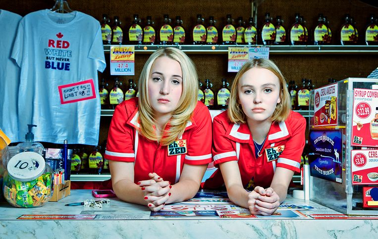 Lily-Rose Depp in Yoga Hosers. Beeld