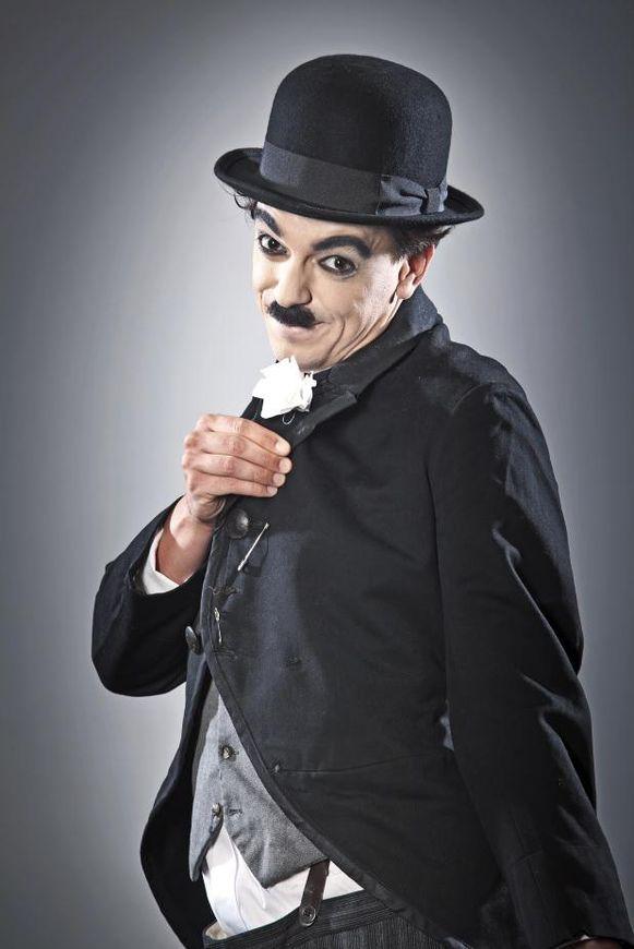 Nordin De Moor als Charlie Chaplin.