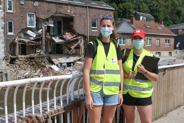 De twee hartsvriendinnen geven zelfs verlof op om in Pepinster te komen helpen. Beeld Photo News