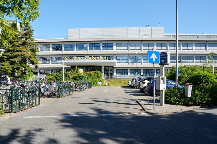 Het Sint Anna Ziekenhuis start een proef met een parkeerservice.