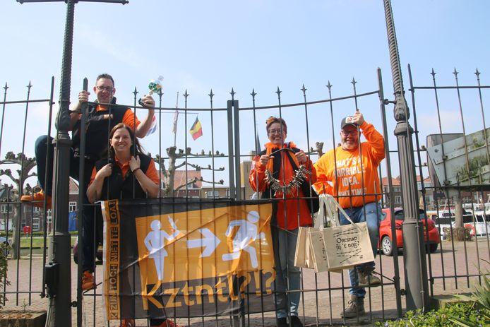 Maarten Hemelsoet, Vera Hemelsoet, Annelies Korst en Jan Vinke (vlnr) van KZijnTochNietTeLoat, zijn klaar voor het Ontsnapspel.