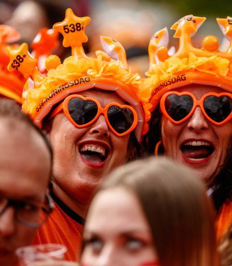 Kaartjes voor 538 Oranjefeest vliegen voor duizenden euro's over de toonbank