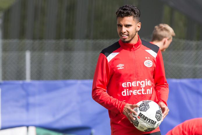 De komst van Adam Maher naar PSV is uitgelopen op een financieel fiasco en kost PSV waarschijnlijk acht a negen miljoen euro.