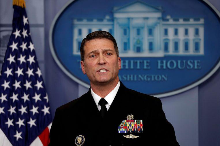Ronny Jackson beantwoordt vragen tijdens een persconferentie op het Witte Huis. Beeld REUTERS