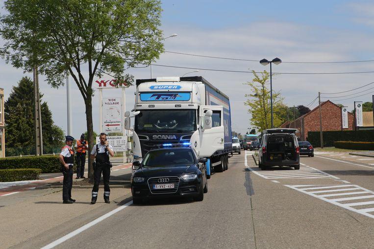 Voetganger aangereden door vrachtwagen
