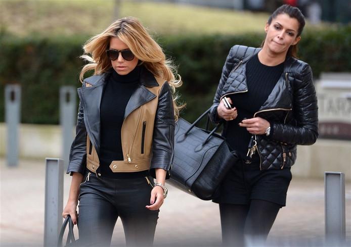 Sylvie en Sabia Boulahrouz (R).