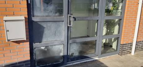 Geblakerde ramen herinneren dag later aan explosie op Marslanden in Zwolle