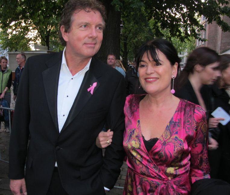 Robert ten Brink en vrouw hopen op een heerlijk roze avond. Beeld
