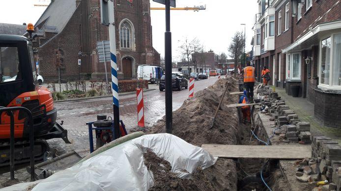 Brabant Water vervangt de waterleiding in  Moergestel: Kerkstraat en Schoolstraat moeten ervoor dicht.