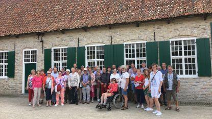 Alveringemnaren bezoeken Alveringemse gebouwen in Bokrijk