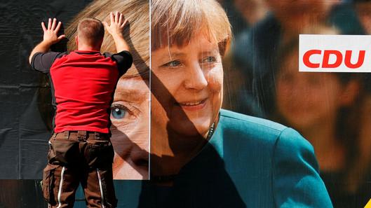 Foto van Duitse verkiezingen, dat is ook: posters plakken