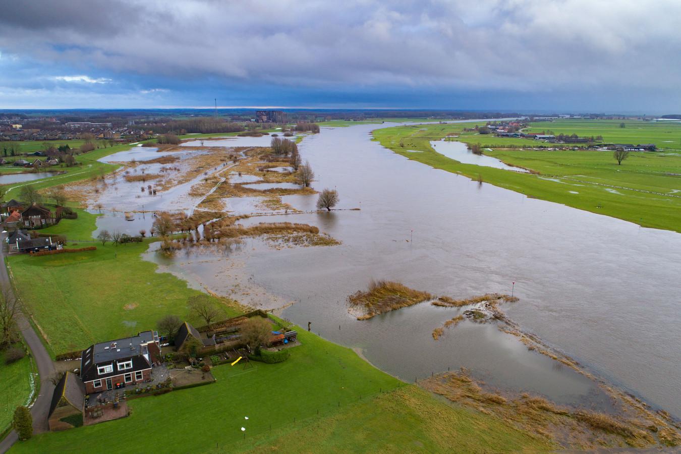 Een deel van de IJssel waar aan de Zwolse zijde wellicht energieopwekking door middel van waterkracht mogelijk is.
