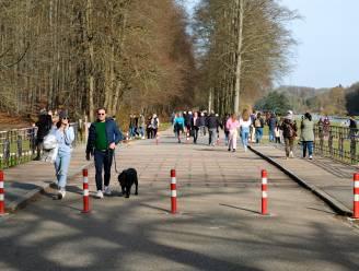 FOTOREPORTAGE. Lentetemperaturen lokken veel volk naar Park Tervuren: niet over de koppen lopen, wel gezellig druk
