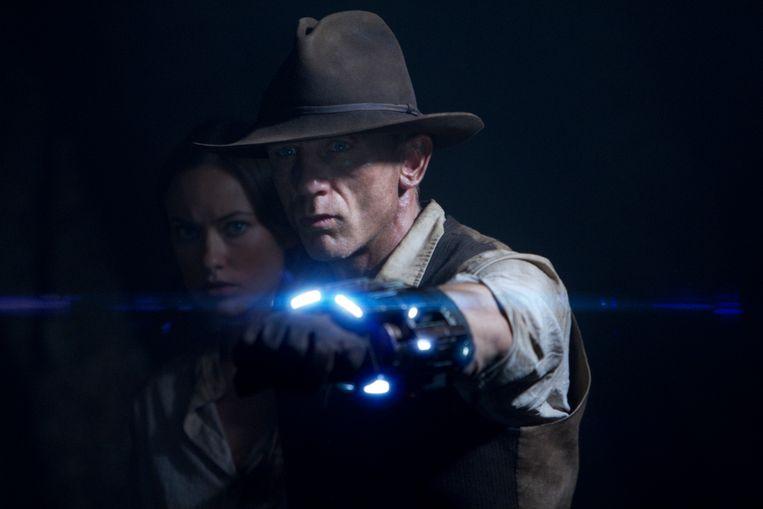 Olivia Wilde en Daniel Craig in Cowboys & Aliens van Jon Favreau. Beeld