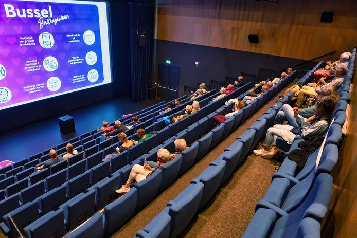 Theater De Bussel in Oosterhout is geen locatie voor een testevenement en blijft voorlopig dicht