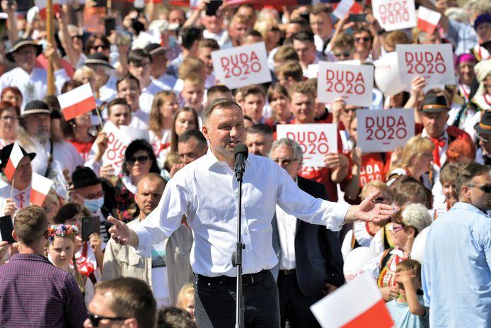 De Poolse president Andrzej Duda voert campagne.