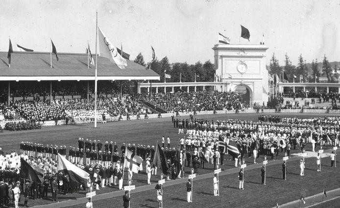 Het défilé op 14 augustus 1920 met de 29 deelnemende landen. Ze waagden hun kans in 22 sporten.