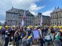 De mars tegen coronamaatregelen begint op de Dam.
