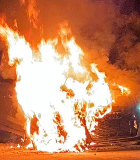 Auto van youtuber vliegt in brand bij 250 km/u en de remmen doen het niet meer