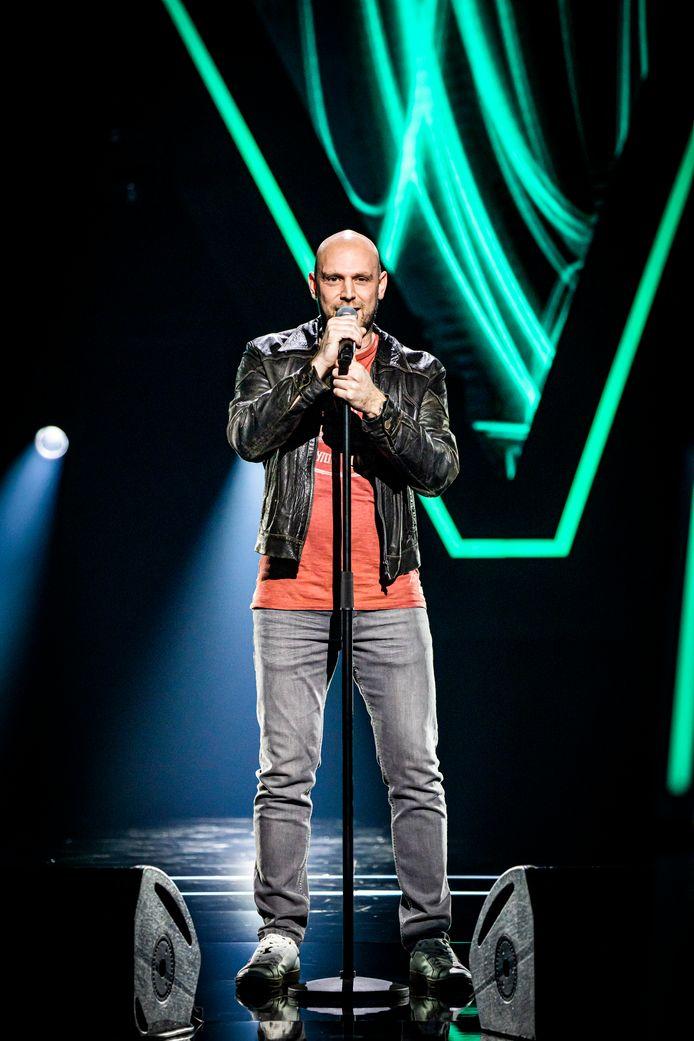 Jonas De Bruyn van Parquet de Flandre in Erpe waagt zijn kans in The Voice op vtm.