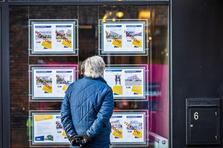 We een huis wil kopen op de overspannen woningmarkt moet er razendsnel bij zijn.  Beeld Hollandse Hoogte / Novum RegioFoto