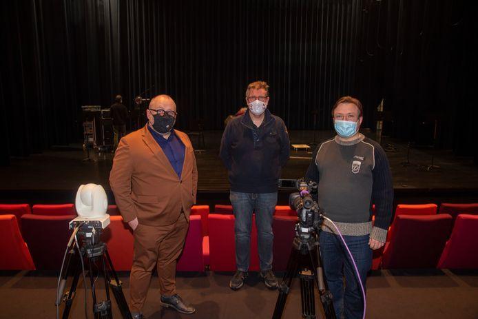 Tom Van de Velde (Dijk 92), Wim Breydels (Nova) en dirigent Kris Stroobants.
