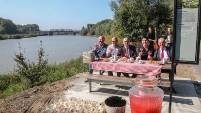Nieuwe picknickplek aan Scheldedijk