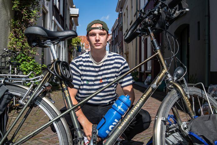 Deventenaar Robin IJzerman wil 2000 kilometer gaan fietsen, van Eindhoven naar Santiago de Compostella in Spanje.