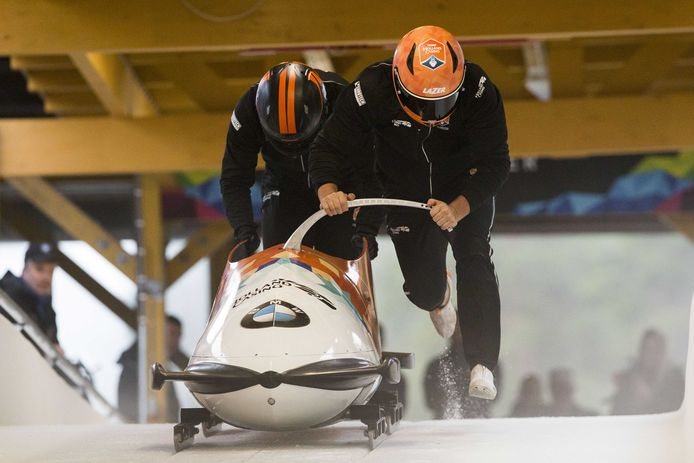 2017-10-17 16:14:02 LILLEHAMMER - Bobsleeteam Team Holland Casino piloot Ivo de Bruin tijdens een training in het Noorse Lillehammer. ANP VINCENT JANNINK