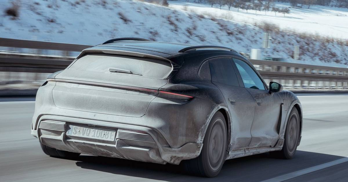 Rijden met de Porsche Taycan Cross Turismo: Zwitsers zakmes - AD.nl