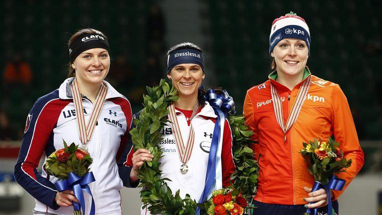 Op de tweede plaats Heather Richardson (L), winnaar Brittany Bowe en Jorien Ter Mors. Beeld null
