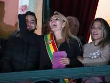 """La sénatrice Añez se proclame présidente par intérim, Morales dénonce un """"coup d'État"""""""