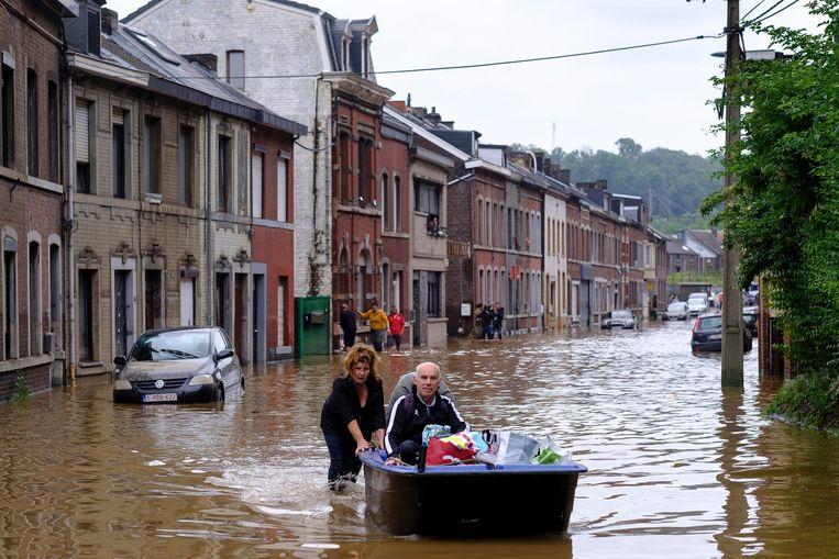 Overstromingen in Angleur, bij Luik afgelopen maand. Beeld Photo News