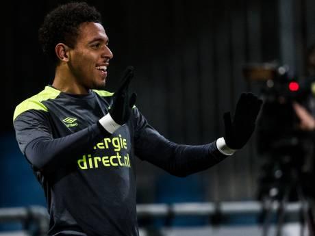 Donyell Malen scoort bij Jong PSV ook na kampioensfeest: 'Kan nog gewoon over straat'