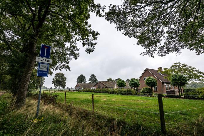 De locatie in het buitengebied van Spoordonk waar de stal zou komen.
