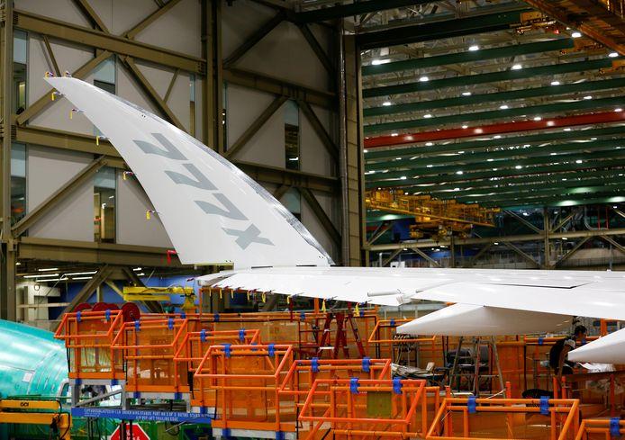 De vleugeltip van een 777X tijdens de productie. Archiefbeeld.