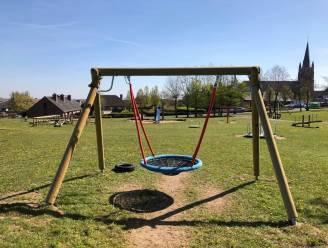 """Nieuwe speeltoestellen op vier locaties: """"Investeren in de opwaardering van één centraal speelplein per gemeente"""""""