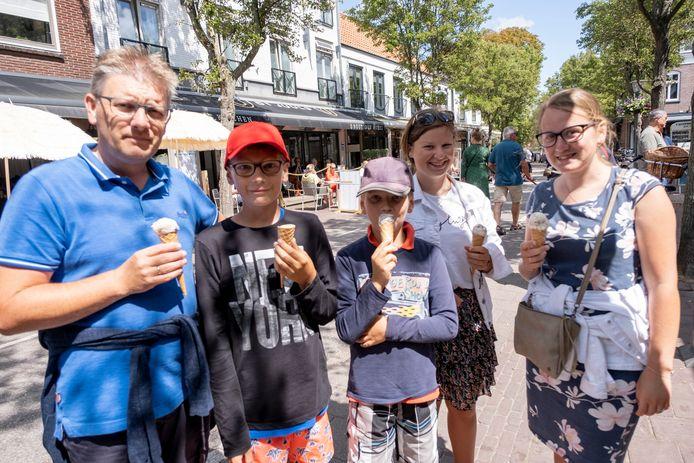 Cornel Stout met kinderen Arne, Harmjan, Corinda en Jantine uit Nieuw-Beijerland.
