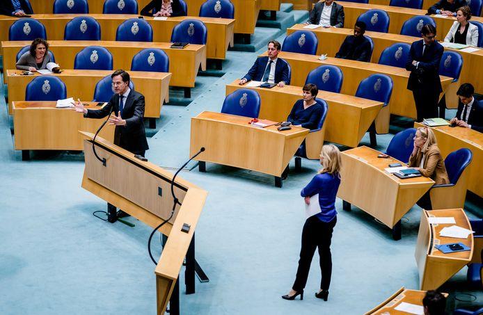 Mark Rutte (VVD) in de Tweede Kamer tijdens het debat over de mislukte formatieverkenning begin april.