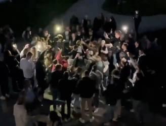 """""""Kortrijkse jeugd, bijt op uw tanden"""": burgemeester doet oproep na beelden feestende jongeren aan Leieboorden"""