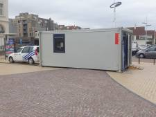 """Politie zet hele zomer mobiel kantoor neer op Zeedijk Zeebrugge: """"Extra service naar inwoners en toeristen"""""""