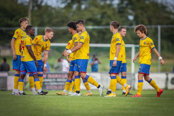 KVK Wellen heeft net het eerste doelpunt aangetekend en legt er nadien nog vier in het mandje bij RCS Sart Tilman.