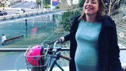 42 weken zwanger: groene minister gaat met de fiets naar het ziekenhuis om te bevallen