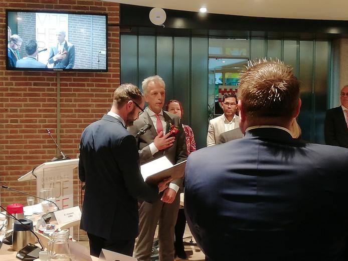 Sjors Fröhlich wordt geïnstalleerd als burgemeester van Vijfheerenlanden.