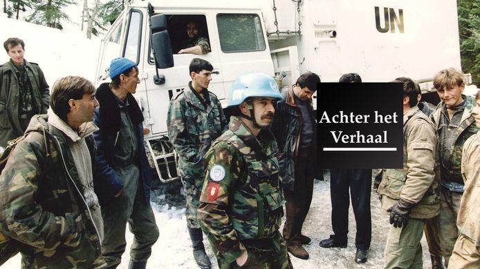 Een groep Nederlandse Dutchbatters komt aan in Srebrenica, 1994.